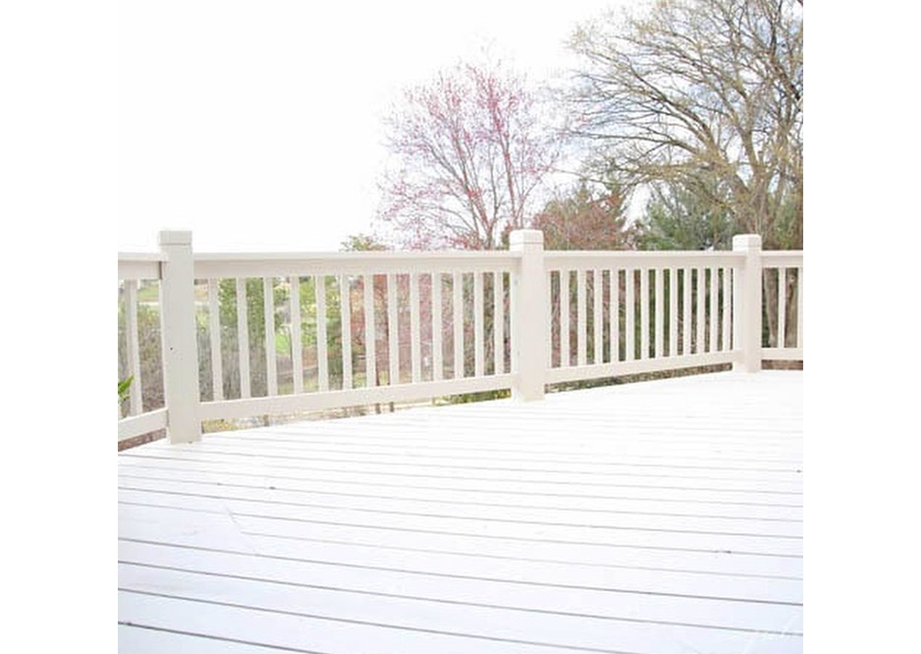 Deck Staining- 3(1)